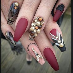 """This beautiful set done by @vanessa_nailz <span class=""""emoji emoji1f4ab""""></span>Swan Nails page is dedicated to promoting quality, ..."""
