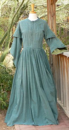 Civil War Pagoda Sleeve Camp Dress Victorian Historical Costume Homespun - - Source by nt_azzahr Blue Dresses, Vintage Dresses, Casual Dresses, Dresses For Work, Victorian Dresses, 1800s Dresses, Tudor Dress, Historical Costume, Historical Clothing