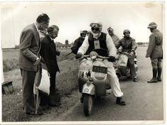 29 Marzo: la Vespa compie 69 anni.