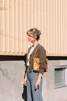 Urban Street Style, Spring Street Style, Minimal Fashion, Retro Fashion, Girl Fashion, Fashion Outfits, Paris Mode, What To Wear Today, Winter Mode