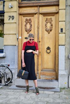 How to style velvet shoes