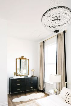 Current color palette crush: black, white and beige — The Decorista