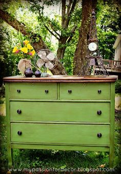 Oh I have a dresser I am *so* doing this to!  --------------------------------- Neglected Craigslist dresser turned green beauty with Chalk Paint®!  Want to learn how to use chalk paint? Watch the Hometalk show right for Chalk Paint® Tips From the Pros! Click her to watch: http://hmt.lk/15DDWgL  Dresser by My Passion For Decor