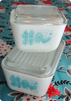 Pyrex fridgies! Love ! I have one of these...♡♥♡♥♡cat