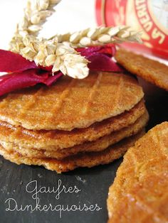 Discover recipes, home ideas, style inspiration and other ideas to try. Waffle Cookies, Waffle Cake, Biscuit Cookies, Biscuit Recipe, Waffle Recipes, Cake Recipes, Dessert Recipes, Macadamia Nut Cookies, Chocolate Crinkle Cookies