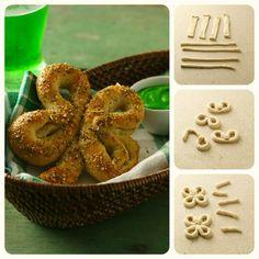 Four-leaf clover breadsticks