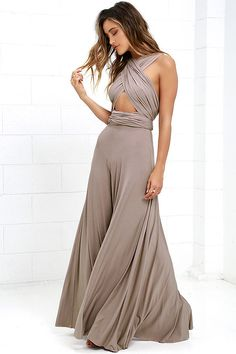 Versatility at its finest, the Tricks of the Trade Taupe Maxi Dress knows a trick or two! Long fabric lengths wrap into several bodice styles attached to a maxi-length skirt. Sexy Dresses, Nice Dresses, Summer Dresses, Taupe Maxi Dress, Brown Bridesmaid Dresses, Multi Way Dress, Infinity Dress, Online Dress Shopping, Party Dress