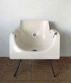 Der Badewannenstuhl - ein Kunstwerk mit praktischen Vorzügen. (© Reddish Design)