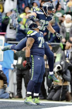 Garry Gilliam scores from a Jon Ryan pass on a fake field goal to get on the board against the hated Packers. Jon Ryan, Evergreen State, 12th Man, Seattle Seahawks, Packers, Football Team, Scores, Goal, Football Equipment
