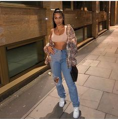 Look at more ideas about Fashion clothes, Swag outfits and Woman style. Chill Outfits, Cute Casual Outfits, Swag Outfits, Dope Outfits, Retro Outfits, Summer Outfits, Fashion Outfits, Fashion Belts, Fashion Clothes