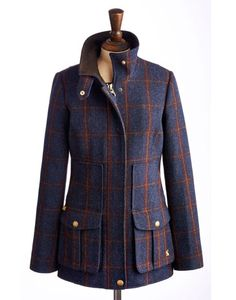 Joules null Womens Tweed Fieldcoat, Navy.                     Set this tweed new women's country sports coat firmly in your sights and capture true country style. Completely timeless and made to last season, after season, after season. In rugged tweed and complete with the functional features and delightful details