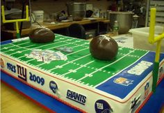 New York Giants Super Bowl Cake Thinking about this for my husband's birthday