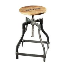 Hallo Welt, schon an der Theke? Mit diesem Stuhl thront man sicherlich an der Bar und zeig sich von seiner besten Seite.   Industrial Chic Design Hocker aus Massivholz und Eisen http://moebeldeal.com/industrial-und-shabby/sitzmoebel/5417/barhocker-aus-holz-und-eisen-im-industrie-industrial-chic-look?c=57