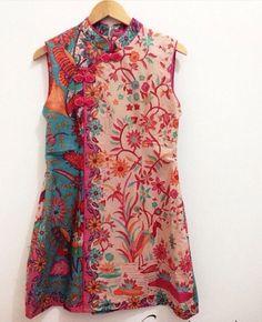 Batik Fashion, Boho Fashion, Fashion Dresses, Blouse Batik, Batik Dress, Myanmar Traditional Dress, Traditional Dresses, Batik Kebaya, Batik Pattern