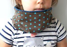Kinder Schal Loop braun mit SternenBaby von PicknickerBlue auf Etsy