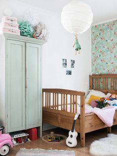 A very pretty hemlock inspired child's bedroom. #interior