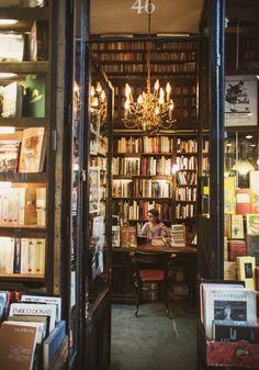 Librairie Ancienne et Moderne, Galerie Vivienne, Paris