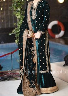 Pakistani Dresses Casual, Indian Gowns Dresses, Pakistani Dress Design, Velvet Shawl, Velvet Suit, Indian Designer Outfits, Designer Dresses, Simple Dresses, Casual Dresses