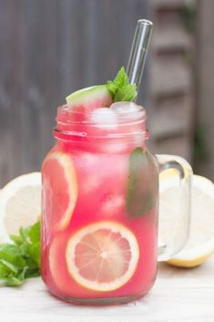 This refreshingly sweet watermelon lemonade is made with only two ingredients and contains no added sugars, It is the perfect drink for hot summer days. healthy drinks Watermelon Lemonade Without Added Sugar Fruit Drinks, Smoothie Drinks, Healthy Smoothies, Healthy Drinks, Healthy Recipes, Beverages, Cold Drinks, Food And Drinks, Simple Recipes