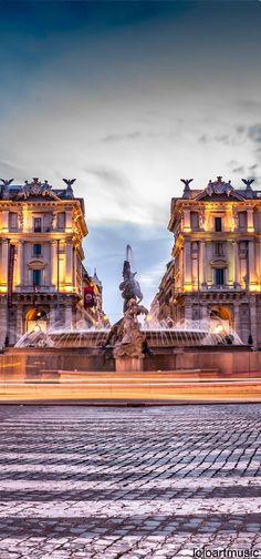 Piazza della Repubblica and the Fountain of the Naiads. Learn. Live. Love. Rome