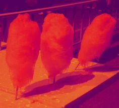 Zuckerwatte auf Newroz in Slemani ReVü, In Reih und Glied, Zuckerwatte Deluxe von KunstKaufRauschArtig auf DaWanda.com