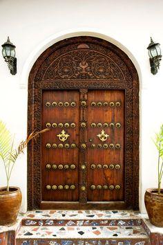 Africa | Doors of Zanzibar © Bulent Özgören