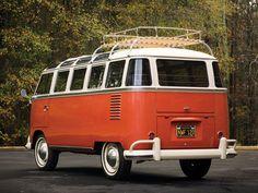 Mike @machs72  14 hHace 14 horas  Más   En mi opinión, la Combi clásica más bonita: microbús Samba '62 con 23 ventanas, quemacocos GI-GAN-TE y muy padre interior. @Volkswagen_MX