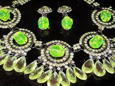 Lawrence Vrba Yellow Lemon Drop Crystal Vaseline Glass Necklace Earring Set | eBay Glass Necklace, Glass Jewelry, Uv Black Light, Vaseline Glass, Opaline, Glass Containers, Antique Glass, Vintage Green, Ultra Violet