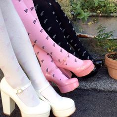 Discovered by Effy. Find images and videos about fashion, style and pink on We Heart It - the app to get lost in what you love. Aesthetic Shoes, Aesthetic Fashion, Aesthetic Clothes, Pretty Shoes, Cute Shoes, Me Too Shoes, Funky Shoes, Mode Chic, Mode Style