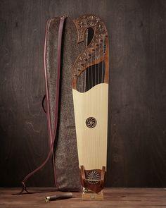 Ukulele, Violin, Hammered Dulcimer, Medieval Furniture, Strange Music, Music Score, Pulsar, Carpentry, Musical Instruments