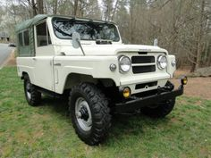 Learn more about Fresh Resto: 1977 Nissan Patrol on Bring a Trailer, the home of the best vintage and classic cars online. Nissan Patrol, Station Wagon, Datsun Car, Nissan Trucks, Toyota 4, Nissan Xterra, Daihatsu, Ford Bronco, Classic Cars Online