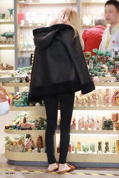 Blackpink Fashion, Korean Fashion, Fashion Outfits, Jenny Kim, Rose And Rosie, Jennie Blackpink, Airport Style, My Princess, Blackpink Jisoo