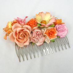 Hårkam med orange blomster - unik hårpynt fra Cloudcake - Cloudcake
