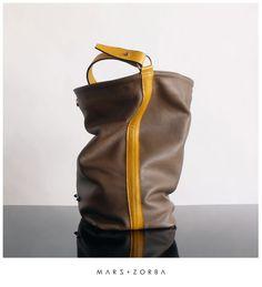 Mars+Zorba Olympia Dark Beige Hobo #handbag #handbags #lux #color #colours #carteras #cuero #design #designer #beige #buenosaires #fashion