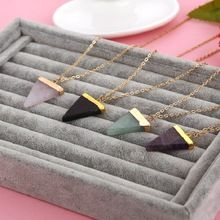 Géométrique Pesionality coloré Nature pierre collier Triangle colliers de cristal pierres gemmes pendentif pour femmes et hommes gros(China (Mainland))