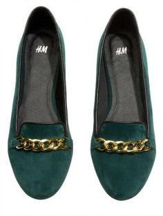 Flats pretty enough for Christmas: H&M loafers