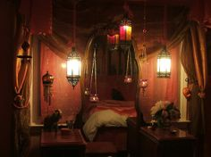 Gypsy House Designs    What a lovely, cozy room.