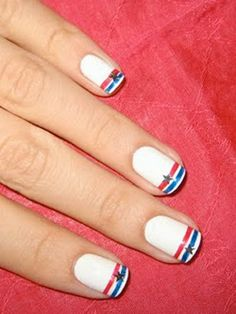 Holiday Manicure Ideas: Patriotic Nail Art : Daily Beauty Reporter :  A friend of mine who grew up in Manhattan once told me a story of running into Lady Gaga (before she was officially Gaga) at a Fourth of July barbecue in Brooklyn. It's no surprise that Gaga was dressed...