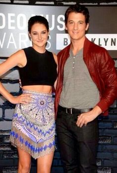 Shailene and Miles at the 2013 Video Music Awards Famous Celebrities, Beautiful Celebrities, The Spectacular Now, Jenny Han, Veronica Roth, Shailene Woodley, Divergent, Miles Teller, Poses