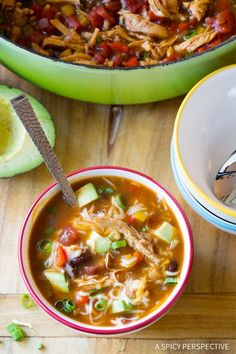 Skinny Chicken Fajita Soup Recipe - A simple zesty, Mexican-style, skinny soup recipe that is low fat, gluten free, and can be made low carb as well! Healthy Chicken Soup, Chicken Fajita Soup, Chicken Soup Recipes, Healthy Soup Recipes, Lunch Recipes, Cooking Recipes, Free Recipes, Dinner Recipes, Cooked Chicken