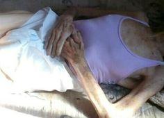 Idosa encontrada em cárcere privado em São Manuel recebe alta do hospital - A idosa de 77 anos que foi resgatada em situação de maus-tratos e em cárcere privado em São Manuel (SP), na segunda-feira (20), teve alta do hospital nesta quinta-feira (23). Segundo a delegada da Delegacia de Defesa da Mulher (DDM) Michela Ragazzi, a vítima foi encaminhada para o abrigo da cidade - http://acontecebotucatu.com.br/regiao/idosa-encontrada-em-carcere-privado-em-sao-manuel-recebe-a