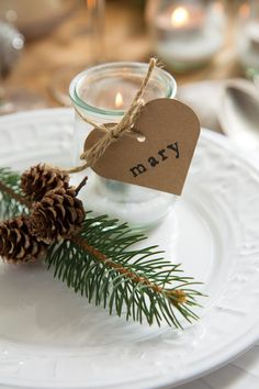 30 simple ideas for DIY place cards - wedding box wedding place cards, wedding name cards, seating plan for wedding guests White Christmas Tree Decorations, Elegant Christmas Trees, Christmas Fun, Christmas Ornaments, Christmas Stocking, Wedding Name Cards, Wedding Boxes, Wedding Ideas, White Candles