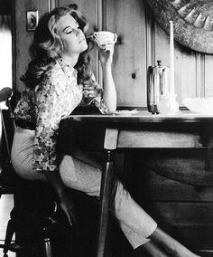 "msmildred: ""Jane Fonda photographed at home by Gene Trindl, "" Jane Fonda Barbarella, Baby Jane, Ann Margret, Jane Seymour, Instagram Outfits, Tumblr, Photoshoot Inspiration, Celebs, Celebrities"