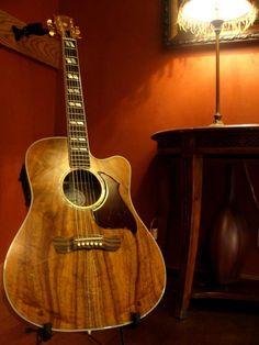 Gibson Custom Shop K Gibson Custom Shop Koa Songwriter Guitar Guitar Shop, Jazz Guitar, Music Guitar, Guitar Picks, Cool Guitar, Playing Guitar, Guitar Tabs, Gibson Acoustic, Gibson Guitars