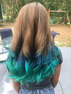 Ombré dark to light blue, mermaid hair! - Ombré dark to light blue, mermaid hair! Hair Dye For Kids, Kids Hair Color, Girl Hair Colors, Hair Dye Colors, Cool Hair Color, Dyed Ends Of Hair, Dyed Hair Blue, Blue Ombre Hair, Teal Hair