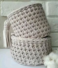 Crochet Bedspread Pattern, Crochet Basket Pattern, Crochet Stitches Patterns, Crochet Designs, Crochet Basket Tutorial, Knitting Patterns, Crochet Bag Tutorials, Crochet Instructions, Crochet Videos