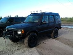 16 on stock - 4 months before lift Land Rover Discovery 2, Land Rovers, Range Rover, Dream Cars, 4x4, Madness, Motorcycles, Garage, Friends