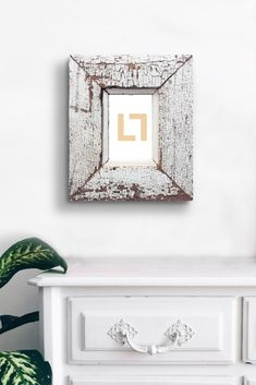 Jumbo size hanging photo frame made of reclaimed wood. The antique wood frame with it's beautiful patina lends texture to your special photo memories. Frames On Wall, Wooden Frames, Photo Dimensions, Hanging Photos, Frame Crafts, Photo Memories, How To Antique Wood, Upcycle, Wall Decor