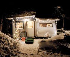 la-beaute—de-pandore:    Daniel Gebhartde Koekkoek  Wintercamper