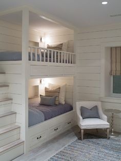 Built in bunks House of Turquoise: Sophie Metz Design Bunk Beds Built In, Bunk Beds With Stairs, Kids Bunk Beds, Build In Bunk Beds, Bunk Beds For Adults, Built In Beds For Kids, Adult Bunk Beds, White Bunk Beds, Cool Bunk Beds